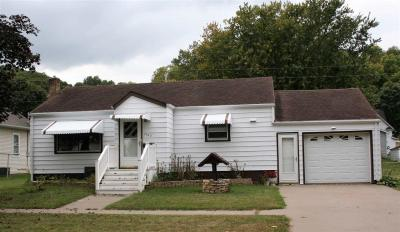Photo of 1102 Washington Street, Bellevue, IA 52031
