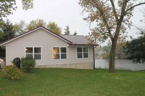 20615 257th Street, Manchester, IA 52057