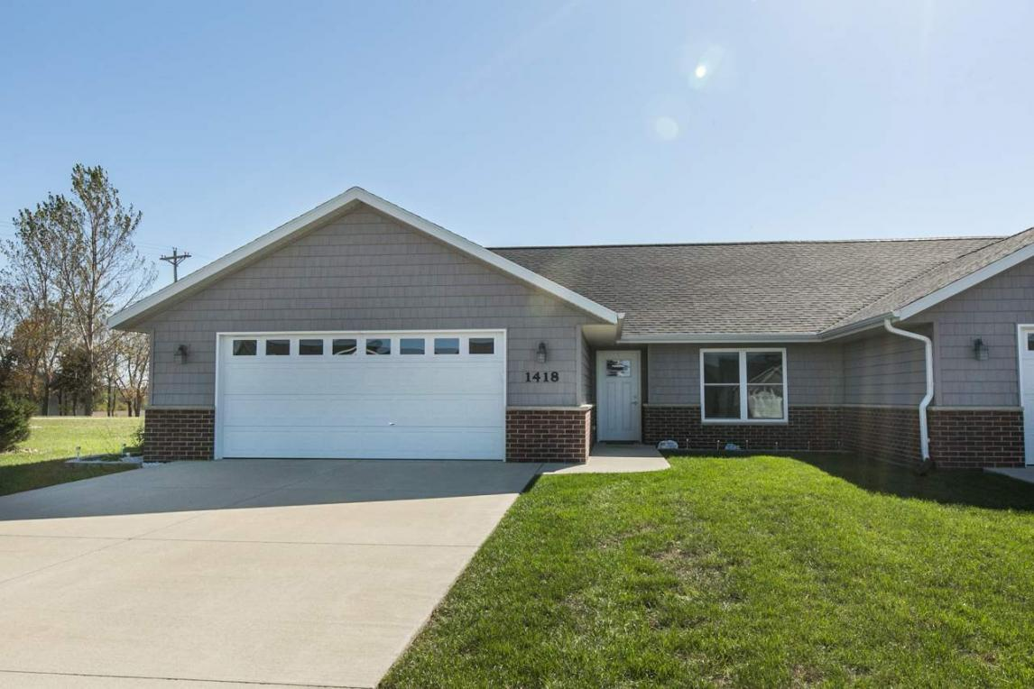 1418 SE Langworthy Court, Cascade, IA 52033