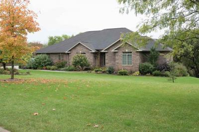Photo of 12163 Forest Meadow Drive, Dubuque, IA 52001