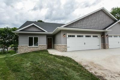 Photo of 2459 Fieldstone Court, Dubuque, IA 52003