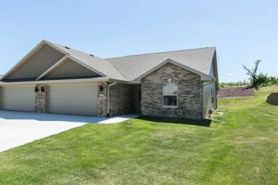 Photo of 6054 Seven Springs Drive, Dubuque, IA 52002