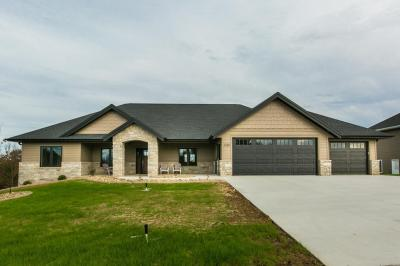 Photo of 2189 Creek Wood Drive, Dubuque, IA 52003