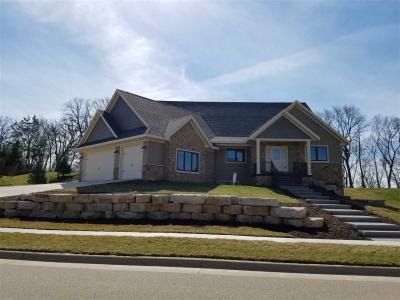 Photo of 1762 Creek Wood Drive, Dubuque, IA 52003
