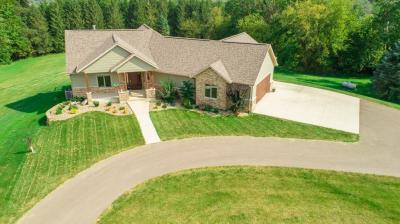 Photo of 11142 Cottingham Road, Peosta, IA 52068