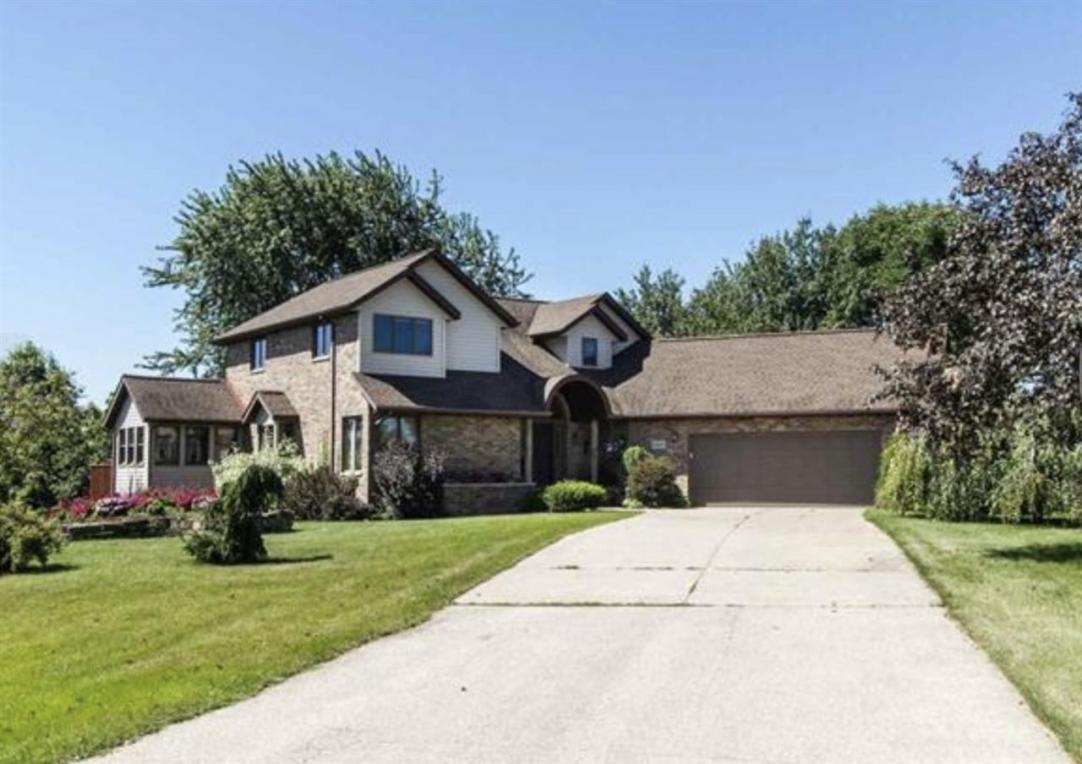22605 Starview Drive, Dubuque, IA 52001