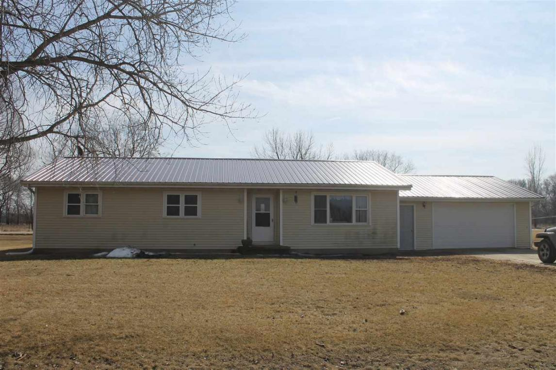 1417 Candle Road, Manchester, IA 52057
