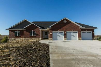 16329 Country View Court, Dubuque, IA 52001