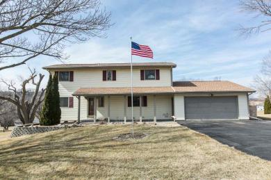 11301 Lakeview Drive, Dubuque, IA 52003