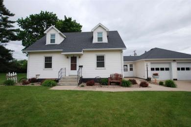 301 2nd Ave Nw, Farley, IA 52046