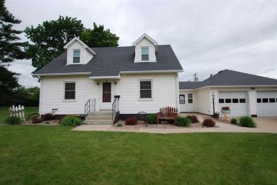 Photo of 301 2nd Ave Nw, Farley, IA 52046