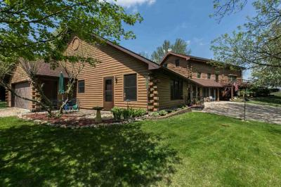 Photo of 18132 Paradise Valley Road, Durango, IA 52039
