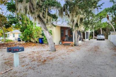 Photo of 140 Madison Ct, Fort Myers Beach, FL 33931