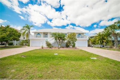 Photo of 21580/582 Indian Bayou Dr, Fort Myers Beach, FL 33931