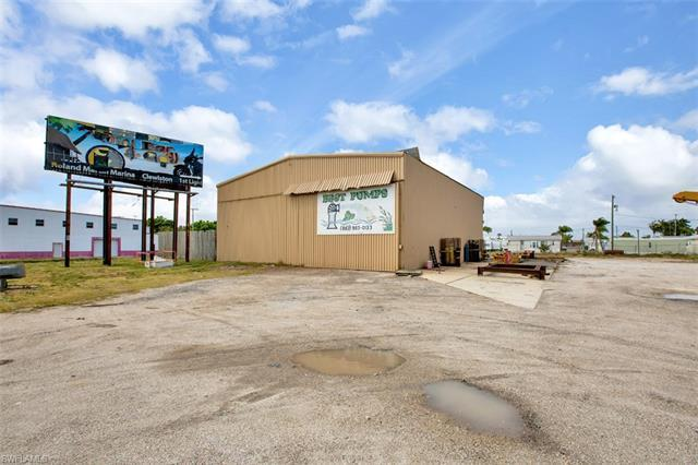 951 & 953 E Sugarland, Clewiston, FL 33440