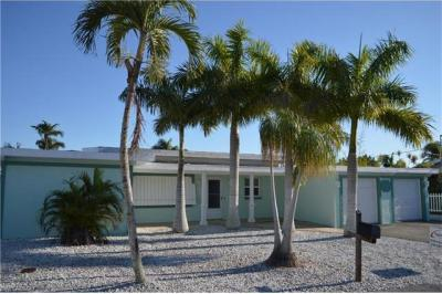 Photo of 460 Madison Ct, Fort Myers Beach, FL 33931