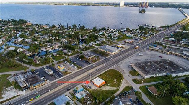 1141 N Tamiami Trl, North Fort Myers, FL 33903