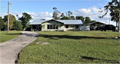 Photo of 2099 River Rd, Moore Haven, FL 33471