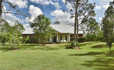 Photo of 1152 Cypress Ave, Labelle, FL 33935