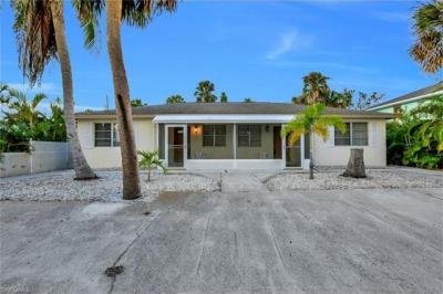 Photo of 157 Connecticut St, Fort Myers Beach, FL 33931