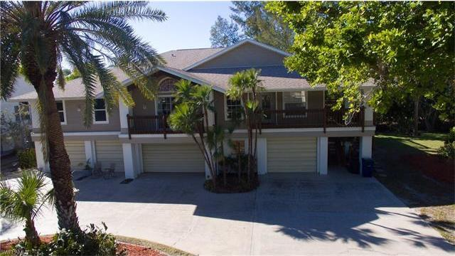 21620/622 Indian Bayou Dr, Fort Myers Beach, FL 33931