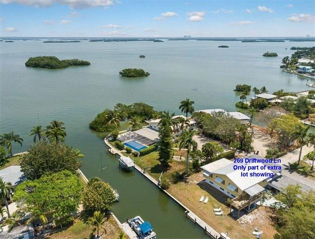 269 Driftwood Ln, Fort Myers Beach, FL 33931