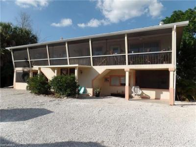 Photo of 427 Lazy Way, Fort Myers Beach, FL 33931