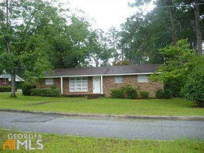 Photo of 103 New Dr, Claxton, GA 30417