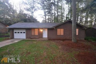 Photo of 8878 Burnham Way, Jonesboro, GA 30238