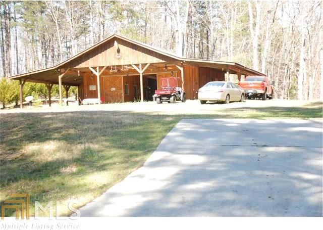 846 Camp Mikell Rd, Toccoa, GA 30577