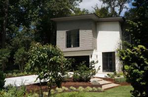 571 Overbrook Dr, Atlanta, GA 30318