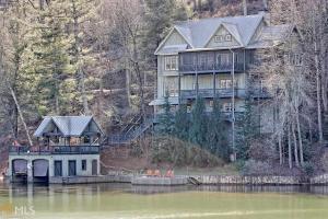 867 Bear Gap Rd, Lakemont, GA 30552