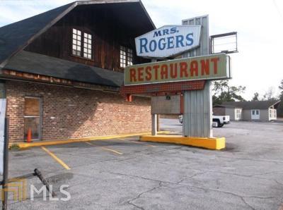 Photo of 204 S Duval St, Claxton, GA 30417