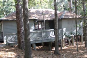 2111 Persimmon Ln, Pine Mountain, GA 31822
