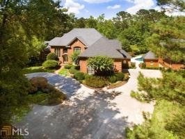 1035 Stonegate Ct, Roswell, GA 30075