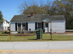 1404 N Forest Ave, Hartwell, GA 30643