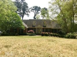 2255 Woodward Way, Atlanta, GA 30305
