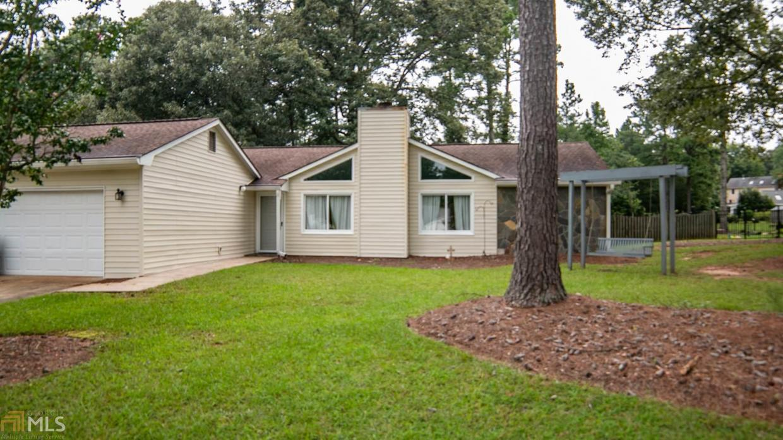 110 Rockspray Ridge, Peachtree City, GA 30269