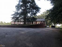972 Robertson Bridge Rd, Statham, GA 30666