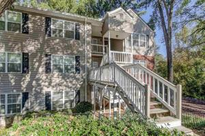 306 Teal Ct, Roswell, GA 30076