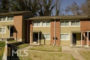 390 NW W Lake Ave, Atlanta, GA 30318
