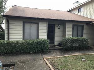 1042 Country Ct, Lawrenceville, GA 30044