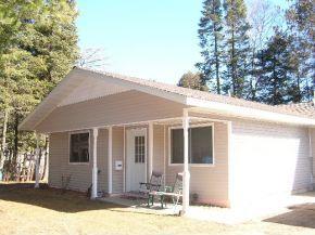 Photo of 219 Maple Park Dr, Rhinelander, WI 54501