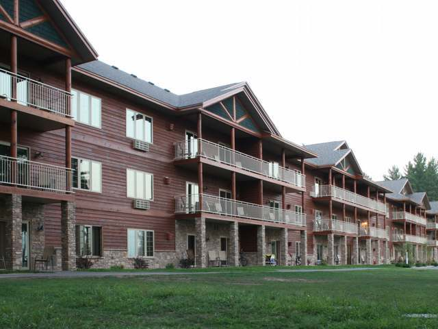 3958 Eagle Waters Rd #105, Eagle River, WI 54521