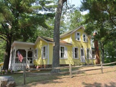 Photo of 8255 Northern Rd, Minocqua, WI 54548