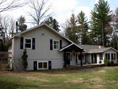 Photo of 1410 Rangeline Rd, Eagle River, WI 54521