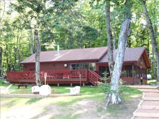 E18965 Big Lake Rd, Watersmeet, MI 49969
