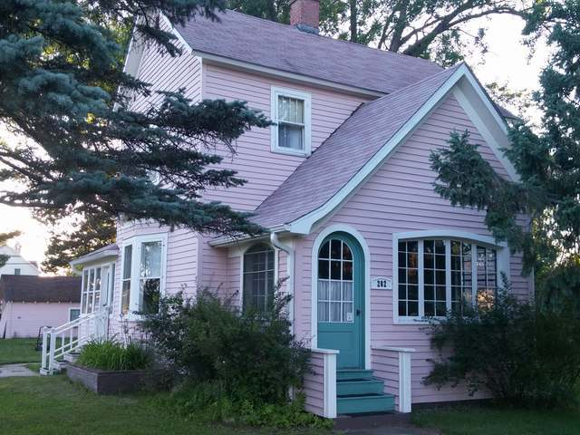 202 Third St, Eagle River, WI 54521