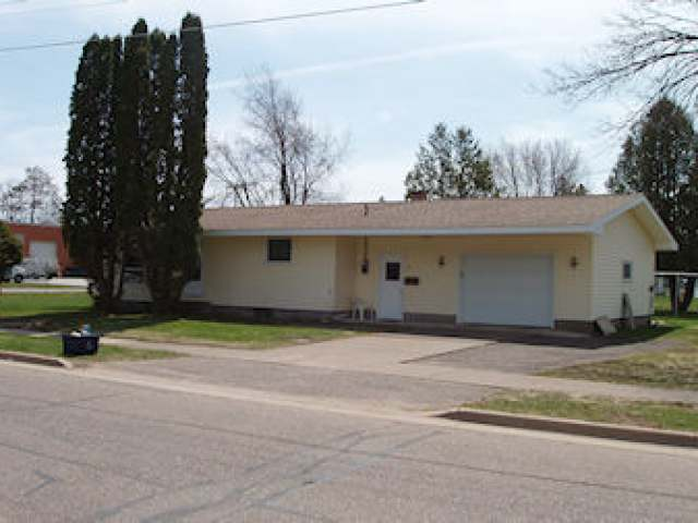 725 Division St, Park Falls, WI 54552