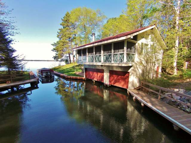 2305 Circle Dr, Lac Du Flambeau, WI 54548